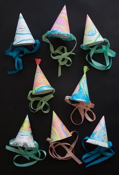 Make any celebration even more merry with DIY marbleized party hats. Diy Party Hats, Diy Party Decorations, Craft Party, Diy For Kids, Crafts For Kids, Diy Crafts, Creative Crafts, Party Entertainment, Party Time