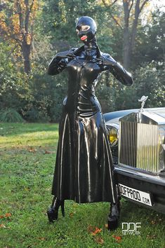 Rubber Reflections - The best latex fetish images... - LandofLatex - Love Of Latex and Rubber