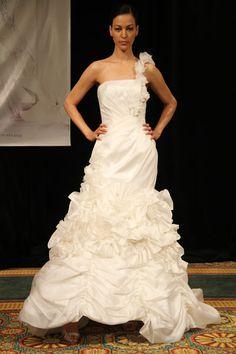 Simone Caravalli wedding dress