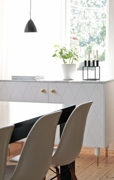 Small kitchen: 70 functional ideas of decoration and projects - Home Fashion Trend Furniture Inspiration, Interior Design Inspiration, Corner Sofa And Chair, Hacks Ikea, Buffet, By Lassen, Multifunctional Furniture, Upholstered Arm Chair, Home Fashion