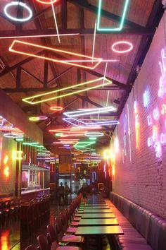 Incredible Bar Interior Design with Tropical Inspirations! Incredible Bar Interior Design with Tropi Pub Design, Bar Interior Design, Hotel Room Design, Restaurant Interior Design, Cafe Interior, House Design, Sport Bar Design, Commercial Interior Design, Design Interiors