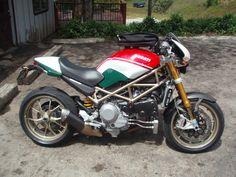 Ducati Monster 750, Ducati Monster Custom, Ducati Motorcycles, Vintage Motorcycles, Womens Motorcycle Helmets, Motorcycle Girls, Porsche, Audi, Super Sport