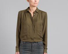 Chemise Safari Olive Surface to Air en vente chez L'Exception