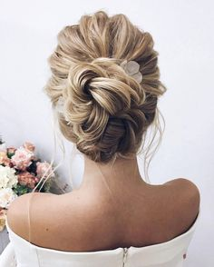 15 easy and simple updo ideas that you can try - Brautfrisur - Wedding Hairstyles Elegant Wedding Hair, Vintage Wedding Hair, Short Wedding Hair, Wedding Hair And Makeup, Trendy Wedding, Bridal Hair Updo High, High Updo Wedding, Elegant Updo, Wedding Upstyles