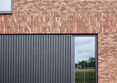 Metal Facade, Brick Facade, Facade House, Design Exterior, House Paint Exterior, Facade Design, Modern Exterior, Brick Cladding, Brickwork