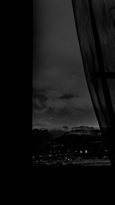 Gray Aesthetic, Black Aesthetic Wallpaper, Night Aesthetic, Black And White Aesthetic, Aesthetic Wallpapers, Dark Phone Wallpapers, Dark Wallpaper Iphone, Black Wallpaper, Galaxy Wallpaper