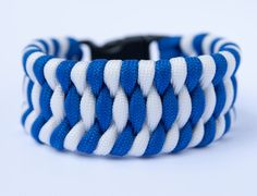 Paracord bracelet 'Sea Surf', blue-white by CobraQueensGift on Etsy