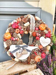 Fall Decorations, Burlap Wreath, Autumn, Seasons, Home Decor, Creative, Decoration Home, Autumn Decorations, Fall Season