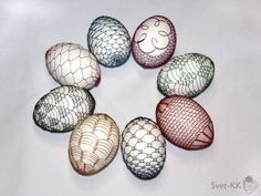 Drotárska (wire art by a tinker): Easter Eggs wrapped with colored wire by… Egg Wrap, Wire Crochet, Lace Ribbon, Wire Weaving, Egg Decorating, Wire Art, Egg Shells, Art Forms, Easter Eggs