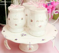 Souvenirs en porcelana o ceramica Sugar Bowl, Bowl Set, Cake, Painting, Creative Products, Creativity, Hand Painted Ceramics, Trays, Porcelain Ceramics