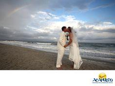 https://flic.kr/p/MELZds | Lleva a cabo tu boda en el hotel Emporio de Acapulco. TU BODA EN ACAPULCO_1 | #casateenacapulco Realiza tu boda en el Hotel Emporio de Acapulco. TU BODA EN ACAPULCO. El Hotel Emporio es un lugar idílico para la realización de tu boda, ya que son expertos en planeación y organización y te brindan todos los servicios, además de una excelente atención para que ese día tan especial, te dediques solamente a disfrutar. Te invitamos a celebrar tu boda en este hermoso…