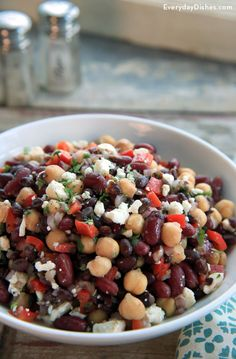Mixed Bean Salad Recipe with Homemade Dressing This bean salad is about as easy as it gets; just pop open a few cans of beans and mix together some ingredients, and you've got a salad that's good and good for you! Mixed Bean Salad Recipes, Recipe For Mixed Beans, 7 Bean Salad Recipe, Canned Beans Recipe, Vegetarian Recipes, Cooking Recipes, Healthy Recipes, Easy Bean Recipes, Pinto Bean Recipes