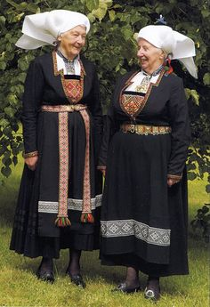 FolkCostume&Embroidery: Overview of Norwegian costume, part 3B. Hordaland, Sørfjorden