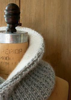 Ravelry: Shawl Collar Cowl pattern by Purl Soho Knitting Stitches, Knitting Patterns Free, Knit Patterns, Free Knitting, Free Pattern, Purl Bee, Purl Soho, Ravelry, Cowl