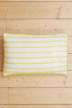 Handsome Seasalt stripes for your bedroom. Our yarn-dyed bed linen is the ultimate indulgence. Made from luxurious 200 thread count cotton, slipping in between the sheets has never felt this good… Our new bedding range gives you the option to mix and match to create your own signature Seasalt style. Everything coordinates beautifully – so you can even team our yarn-dyed stripes with prints if you prefer.