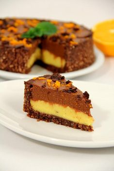 Narancsos csokitorta SN Bolo Vegan, Raw Vegan Cake, Raw Cake, Healthy Desserts, Raw Food Recipes, Sweet Recipes, Cake Recipes, Food Cakes, Good Food