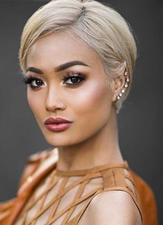 Short Hairstyles for Women with Thin/ Fine Hair: Blonde Pixie Short Hairstyles for Women with Thin/ Thin Hair Styles For Women, Short Hair Styles For Round Faces, Hairstyles For Round Faces, Short Hairstyles For Women, Short Hair Cuts, Long Hair Styles, Blonde Pixie, Short Blonde, Trending Haircuts