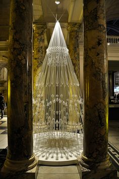 Tree made of elastic cord, London's Victoria and Albert Museum