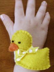 Free Baby Projects: Duckie Wrist Rattle