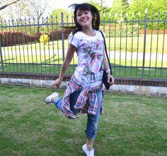 Divertita e sorridente #VoguePillsFashion con la tshirt #LollyStar