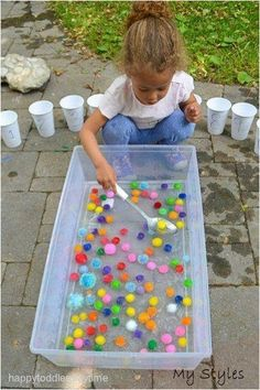 21 Fast & Easy Math Activities – HAPPY TODDLER PLAYTIME Looking for math activities for the kids? Here are 21 quick and simple math activities perfect for toddlers and preschoolers. Motor Skills Activities, Preschool Learning Activities, Montessori Activities, Indoor Activities, Infant Activities, Kids Learning, Toddler Preschool, Outdoor Toddler Activities, Outdoor Activities For Preschoolers
