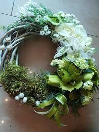 Imagini pentru stroiki wielkanocne florystyka