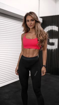 Fitness Motivation, Fitness Goals, Fitness Inspiration Body, Michelle Lewin, Athletic Outfits, Athletic Women, Mode Style, Weight Lifting, Weight Training