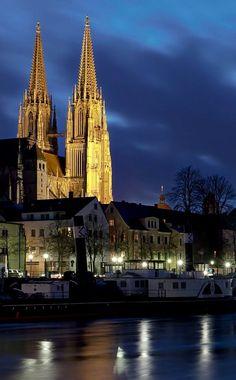 Dom St. Peter - Regensburg, Bavaria, Germany   by Harald Nachtmann http://www.harald-nachtmann.de