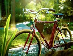 The Vela is a beautifully designed electric bike that resembles an elegant vintage bicycle but comes with modern features like GPS tracking and smart alarm.