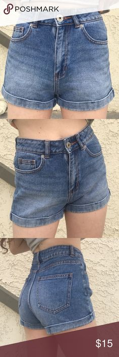 Pacsun High Waisted Mom Shorts Size 1. Blue denim high waisted shorts that cuff at bottom. Very comfortable and in great condition! The denim is nice and soft and doesn't feel stiff. Bullhead Brand originally bought at Pacsun PacSun Shorts Jean Shorts