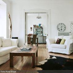 Perfekt Ein Liebevoll Gestaltetes Wohnzimmer, Das Aus Selbst Aufgearbeiteten  Fundst Cken Aus Natur Und Flohm