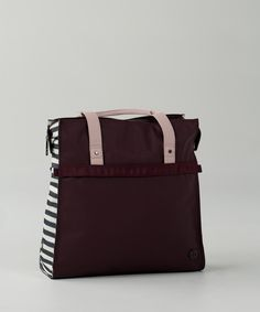 Made with durable fabric that's easy to wipe clean and adjustable sides for easy packing, this bag takes you from work to workout and then out to play.