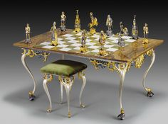 LIMITED EDITION - LOST WAX CASTING BRONZE - REAL 24 K GOLD    ENDLESS VARIETY OF CHESS : http://www.luxuryproducts.pl/s,italfama,1546.html