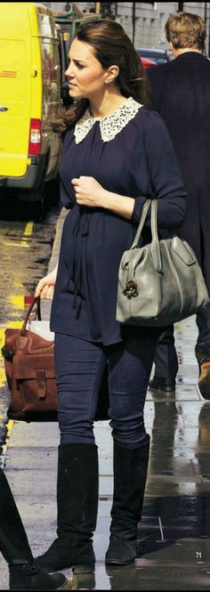 LOVE the Duchess' casual maternity wear. Very chic while looking comfy at the same time.