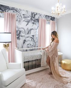 Baby Girl Nursery Room İdeas 844143523893687536 - The perfectly pink nursery. This glam chic nursery is everything! No detail was … – The perfectly pink nursery. This glam chic nursery is everything! No detail was missed with gold ac – Source by