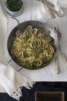 Espaguetis con almejas (spaguetti vongole). Receta de Capri. To be Gourmet | Recetas de cocina, gastronomía y restaurantes.