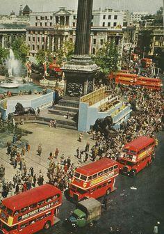 London's Trafalgar Square | National Geographic | September 1953