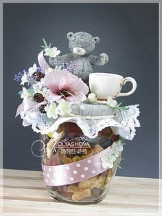 Gallery.ru / Фото #55 - Дарим подарки красиво... - nekto1 Flower Box Gift, Flower Boxes, Fun Crafts For Kids, Diy And Crafts, Chocolate Bouquet Diy, Biscuit, Diy Bouquet, Simple Gifts, Baby Shower
