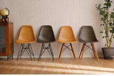 【楽天市場】イームズチェア シェルチェア イームズ DSW DSR チェア 椅子 いす ダイニング ダイニングチェア オフィスチェア コンパクト パソコンチェア リプロダクト 木目 ウッド柄 おしゃれ モダン 送料無料 送料込:スミシア・インテリア(SUMICIA) Cafe Chairs, Table And Chairs, Dining Chairs, Interior Design Living Room, Living Room Decor, Cafe Furniture, Space Interiors, Chair Design, Eames