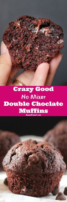 This Double Chocolate Muffins requires no mixer and is a super delicious chocolatey muffins recipe. Learn how to make the best double chocolate muffins ever! Muffin Tin Recipes, Baking Recipes, Cake Recipes, Dessert Recipes, Donut Recipes, No Bake Desserts, Easy Desserts, Delicious Desserts, Yummy Food