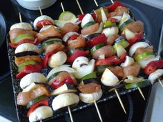 Skewers, Caprese Salad, Healthy Life, Bacon, Grilling, Food And Drink, Healthy Recipes, Healthy Foods, Tasty