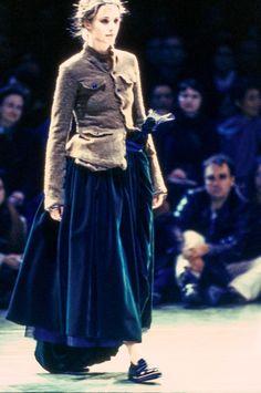 Comme des Garçons Fall 1994 Ready-to-Wear Fashion Show - Cecilia Chancellor