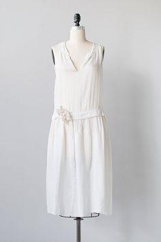 vintage 1920s white gauze cotton flapper dress #TuscanyAgriturismoGiratola