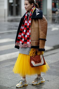 927f903b960a17 Here s How Paris Fashion Week Wore Cozy Sherpa Jackets
