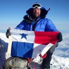 En los últimos años hemos visto, muchos logros alcanzados por algunos panameños quienes han hecho la diferencia y logrado grandes meta. Uno de estos Panameños es Michael Morales de 38 años, el primer Panameño en subir a la cima del monte más alto del Mundo, EL MONTE EVEREST. Esta hazaña la logro el pasado 23 de mayo 2009 entre las 9:00 am hora del Nepal y 10:00 am hora Panameña