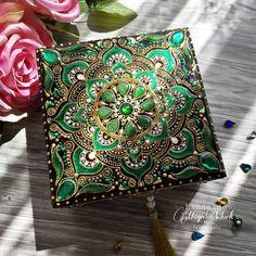 Mandala Canvas, Mandala Artwork, Mandala Painting, Dot Art Painting, Pottery Painting, Thali Decoration Ideas, Creative Diary, Android Phone Wallpaper, Beaded Boxes