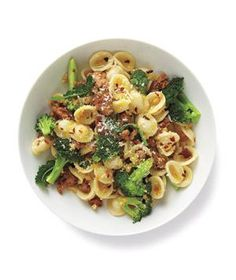 This is pasta made with ground turkey and broccoli.