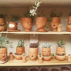 Verde Limbo, cabezas de ceramica.