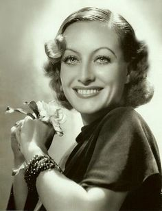 Never thought Joan Crawford was pretty, but this photo is gorgeous.