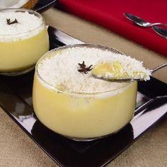Receita de Mousse de Beijinho - 1 lata de leite condensado, 1 colher (sopa) de manteiga com sal, 2 unidades de gema de ovo peneiradas, 50 gr de coco ralado,...